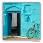 Portal y bicicleta