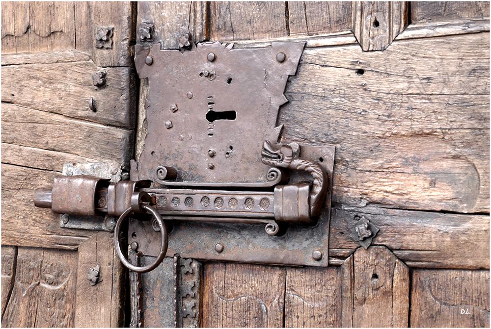 ...Porte close....
