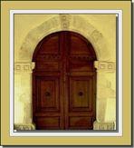 porte de la chapelle