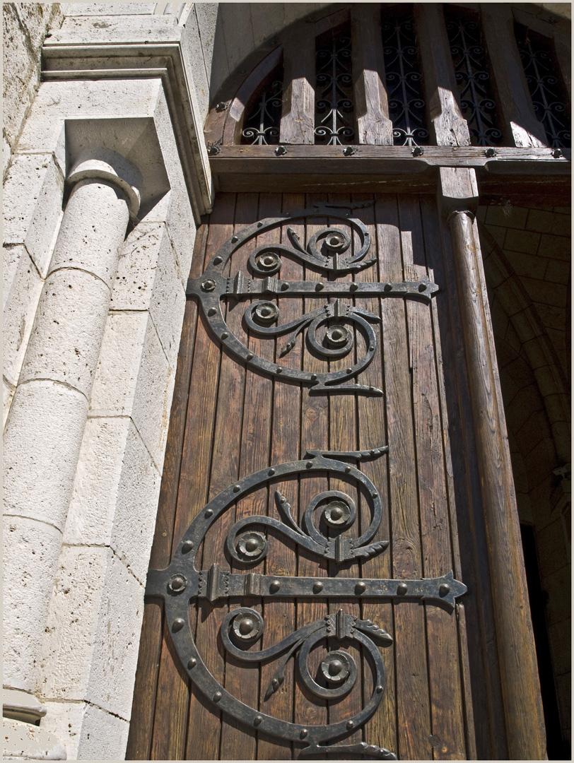 Porte d'entrée de l'Eglise Notre-Dame à Nérac