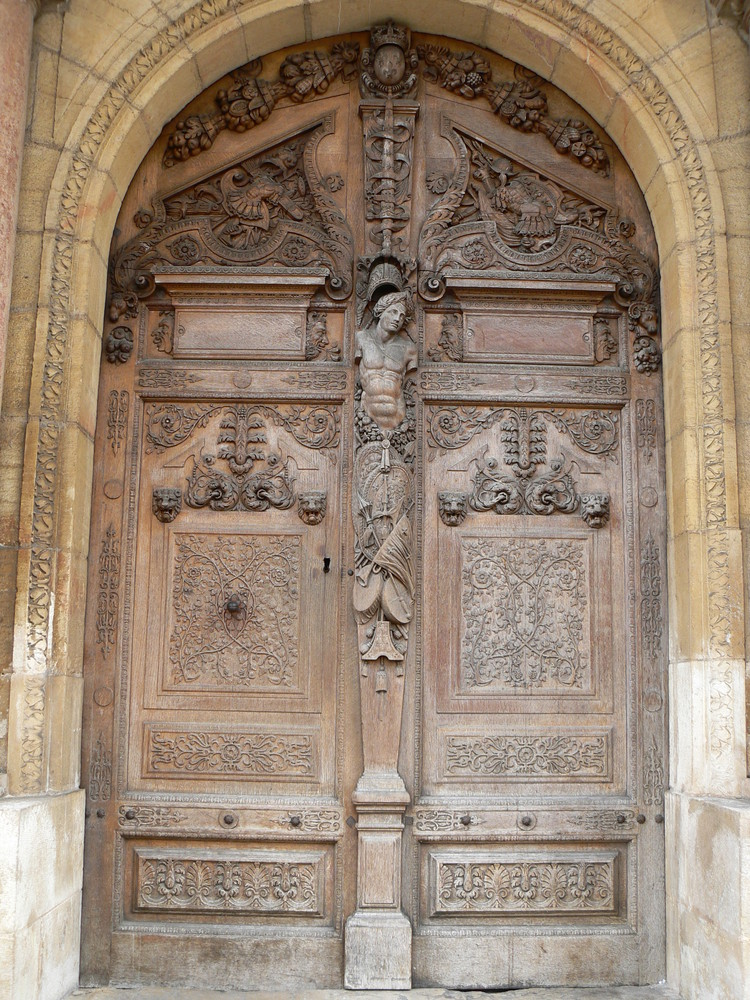 porte du vieux palais de justice de Dijon
