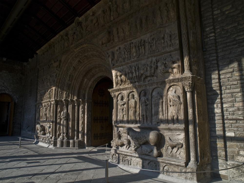 Pórtico de Santa María de Ripoll (Ripoll Girona Catalunya)