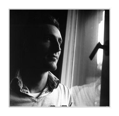 Portrait am Fenster