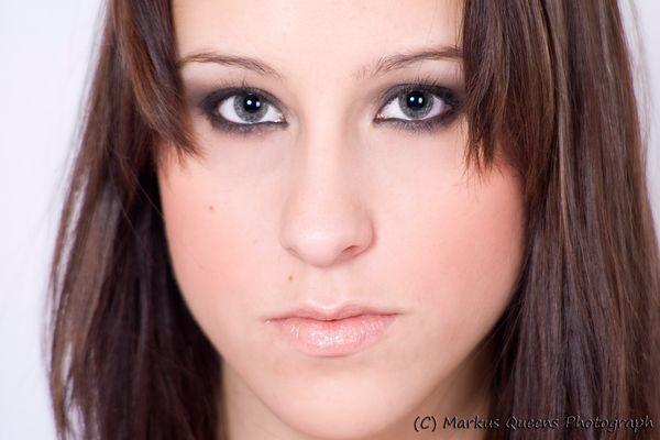 Portrait einer jungen Frau II