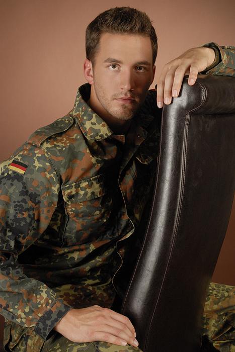 ... portrait eines jungen Soldaten ...