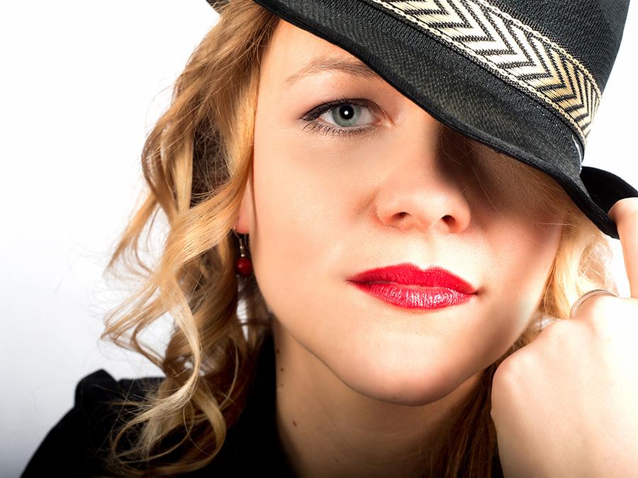 Portrait mit Hut