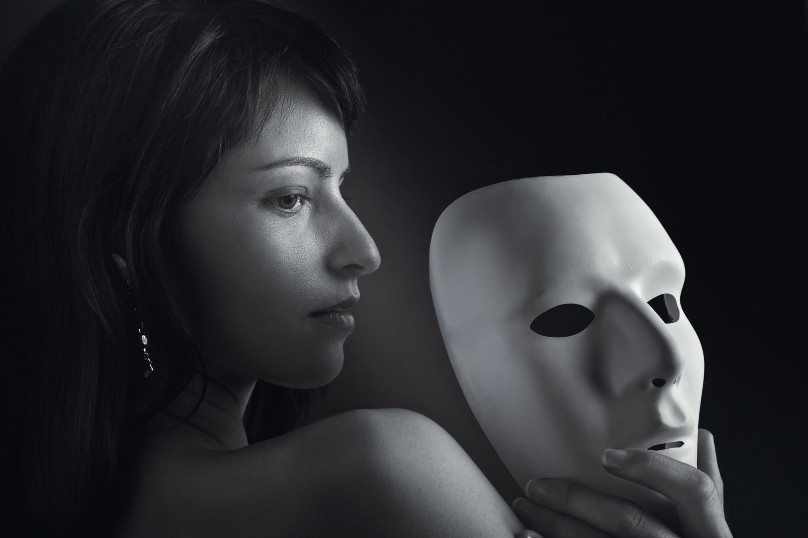 Portrait mit Maske (wie originell)