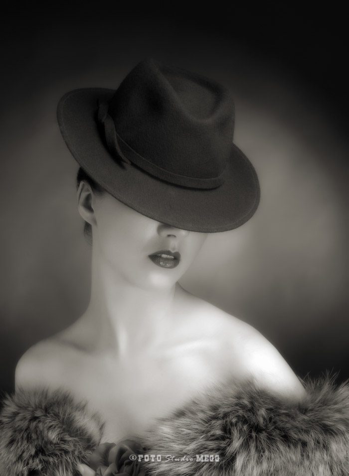 Portrait of sensuality stylish woman in hat