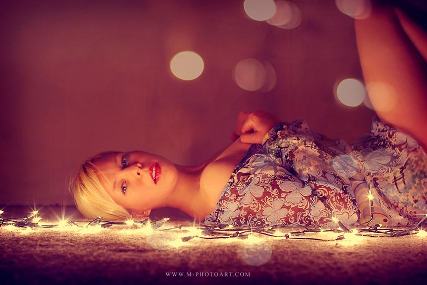 Portrait und Lichterkette