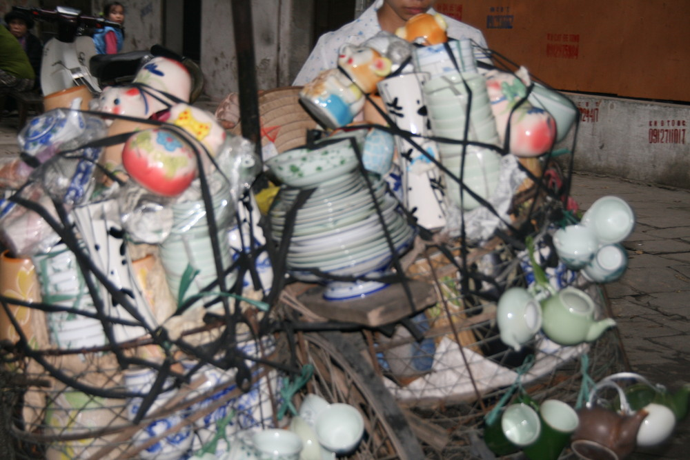 Porzellan unterwegs in Hanoi