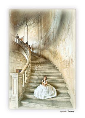 Posando en las escaleras (para Manel Sánchez)
