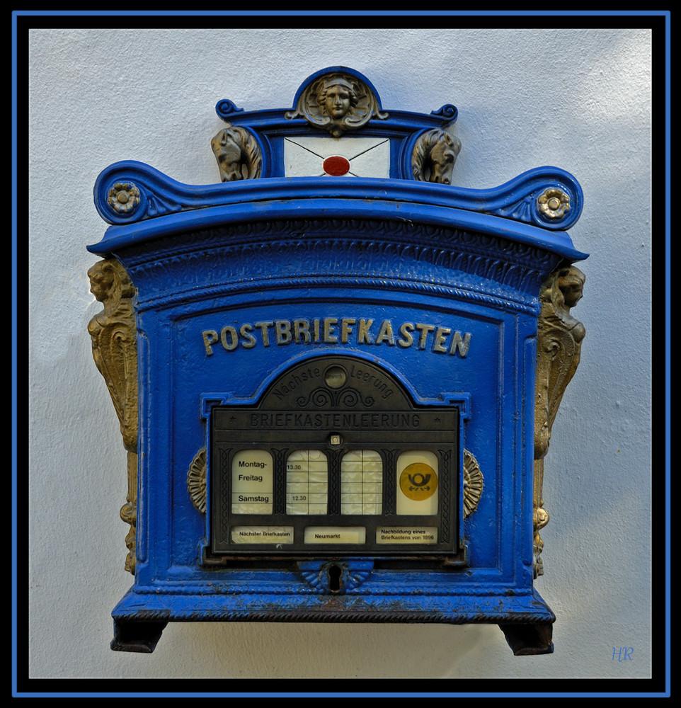 * Postbriefkasten *