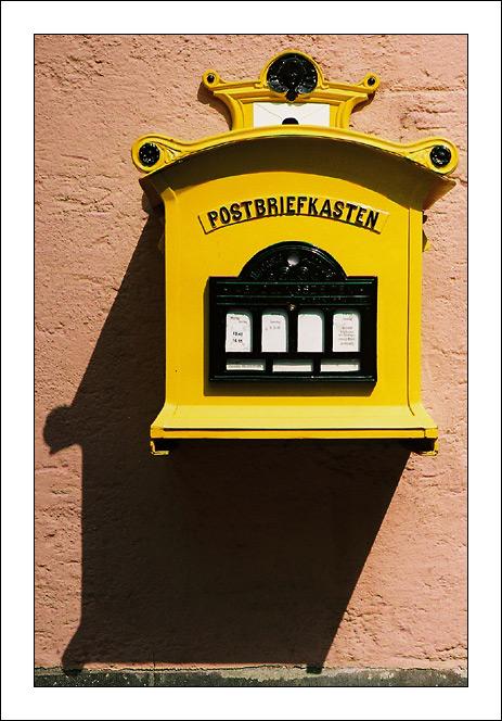 Postbriefkasten ...