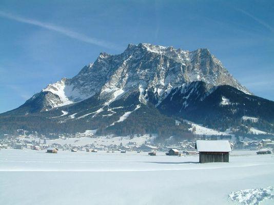 Postkartenansicht - Zugspitze von Ehrwald aus
