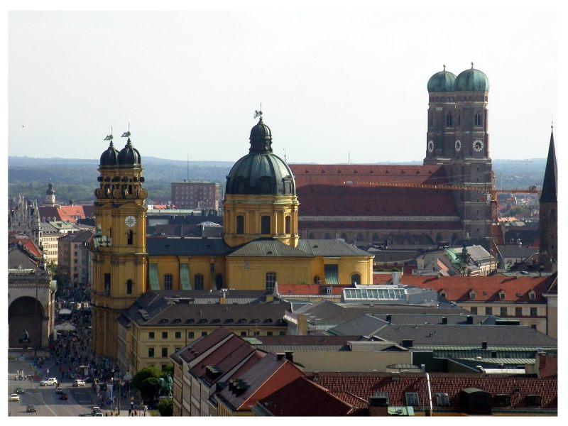 Postkartenbildchen (Blick vom Turm der Ludwigskirche)