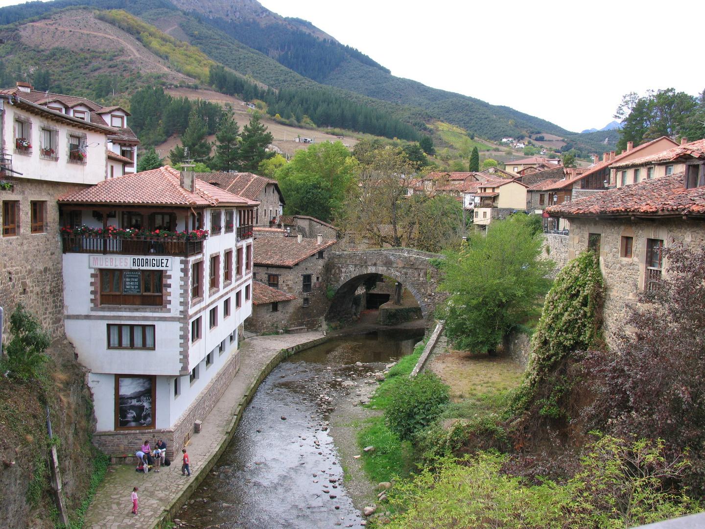 Potes en el Valle de Liébana-Picos de Europa-Cantabria