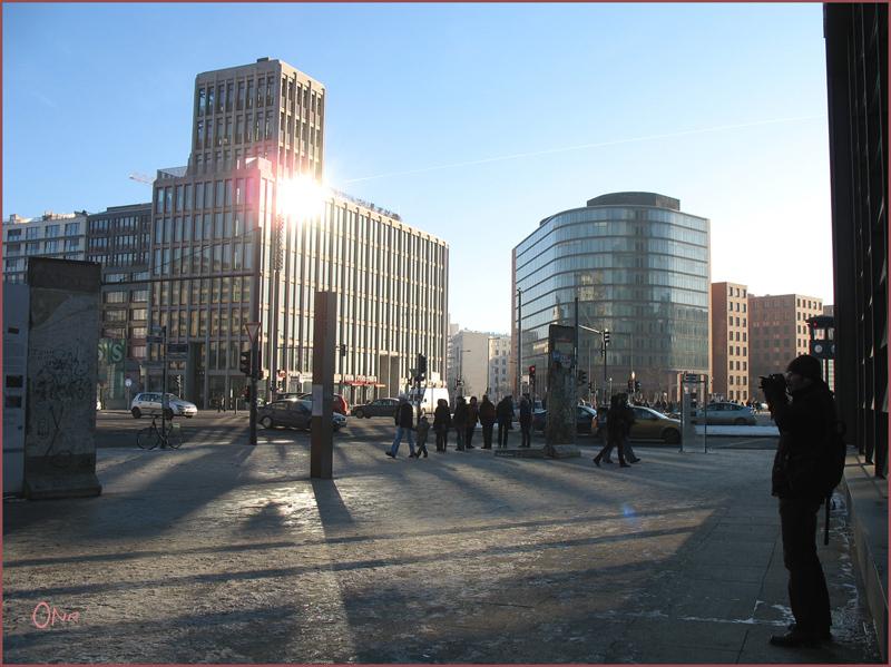Potsdamer Platz - Licht und Schatten 2....