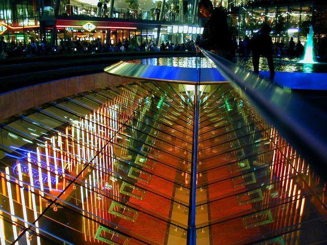 Potsdamer Platz, Sonycenter, Licht und Spiegelungen