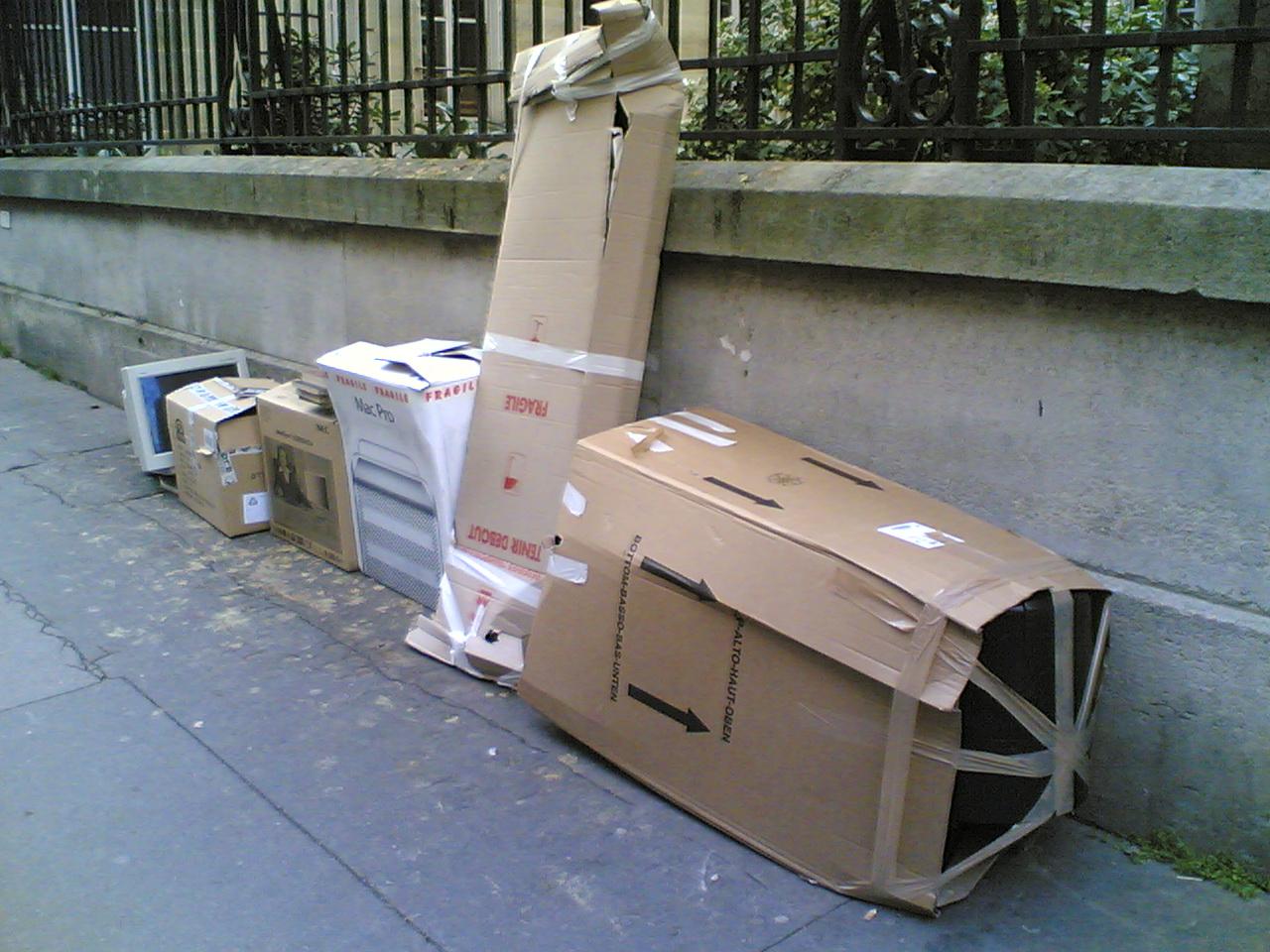 poubelles de rue a paris dans le 16 eme