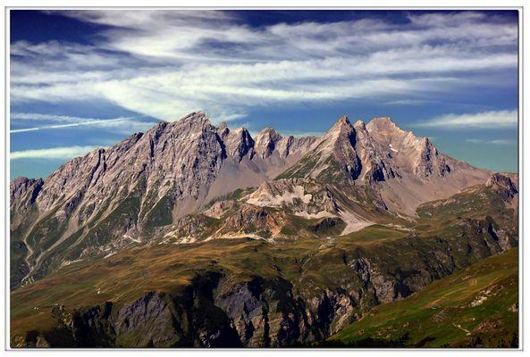 """""""pourtant , que la montagne est belle ....!"""