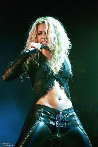 Power Girl Shakira