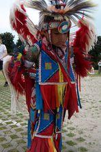 Powwow in Mannheim (8): Indianerjunge in voller Pracht!