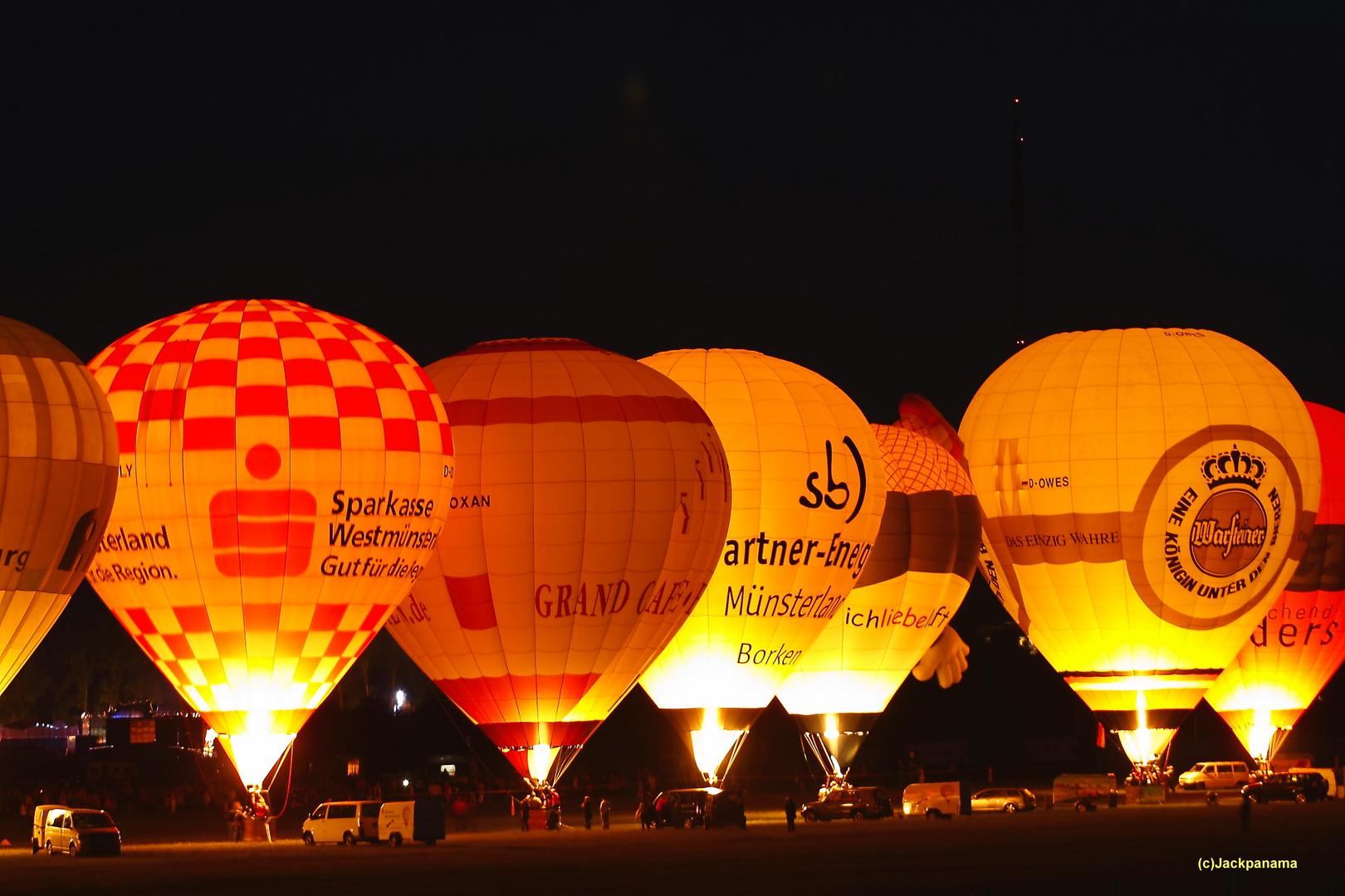 PPP-Tage 2010 in Wesel: Ballonglühen auf dem Flugplatz Römerwardt