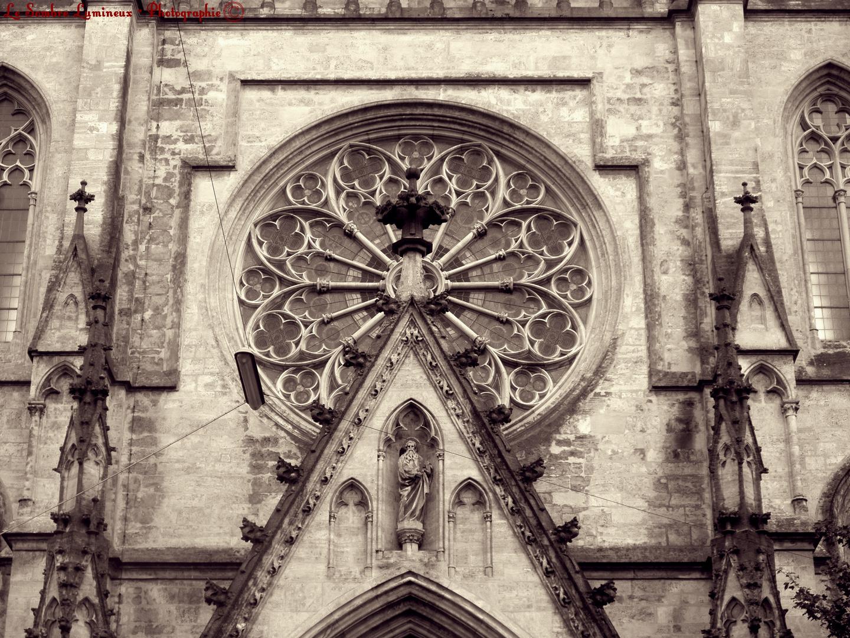 Prächtiges Kirchenfenster