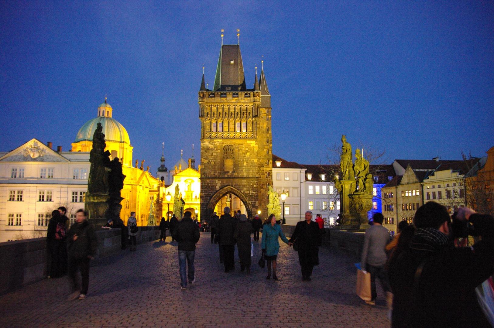 Prag 006 - Rundgang bei Anbruch der Nacht
