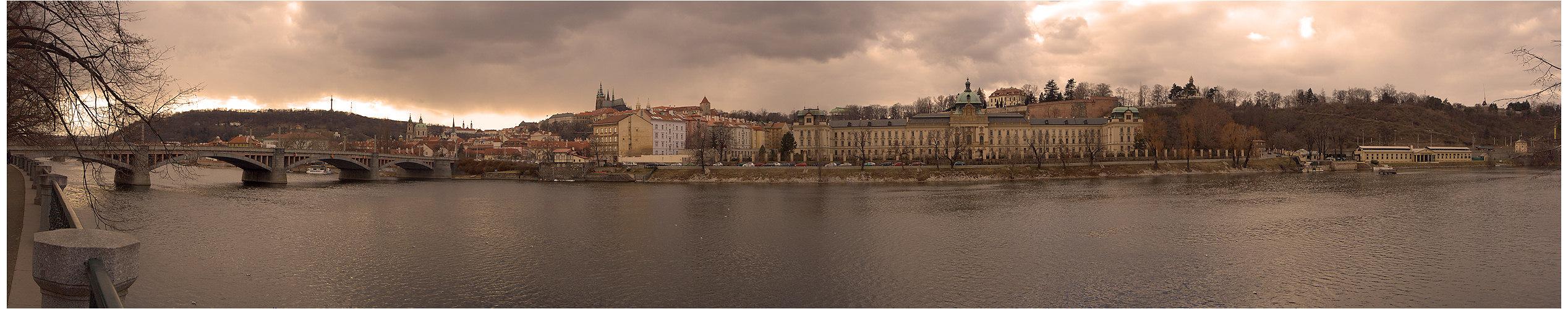Prag in der Morgensonne