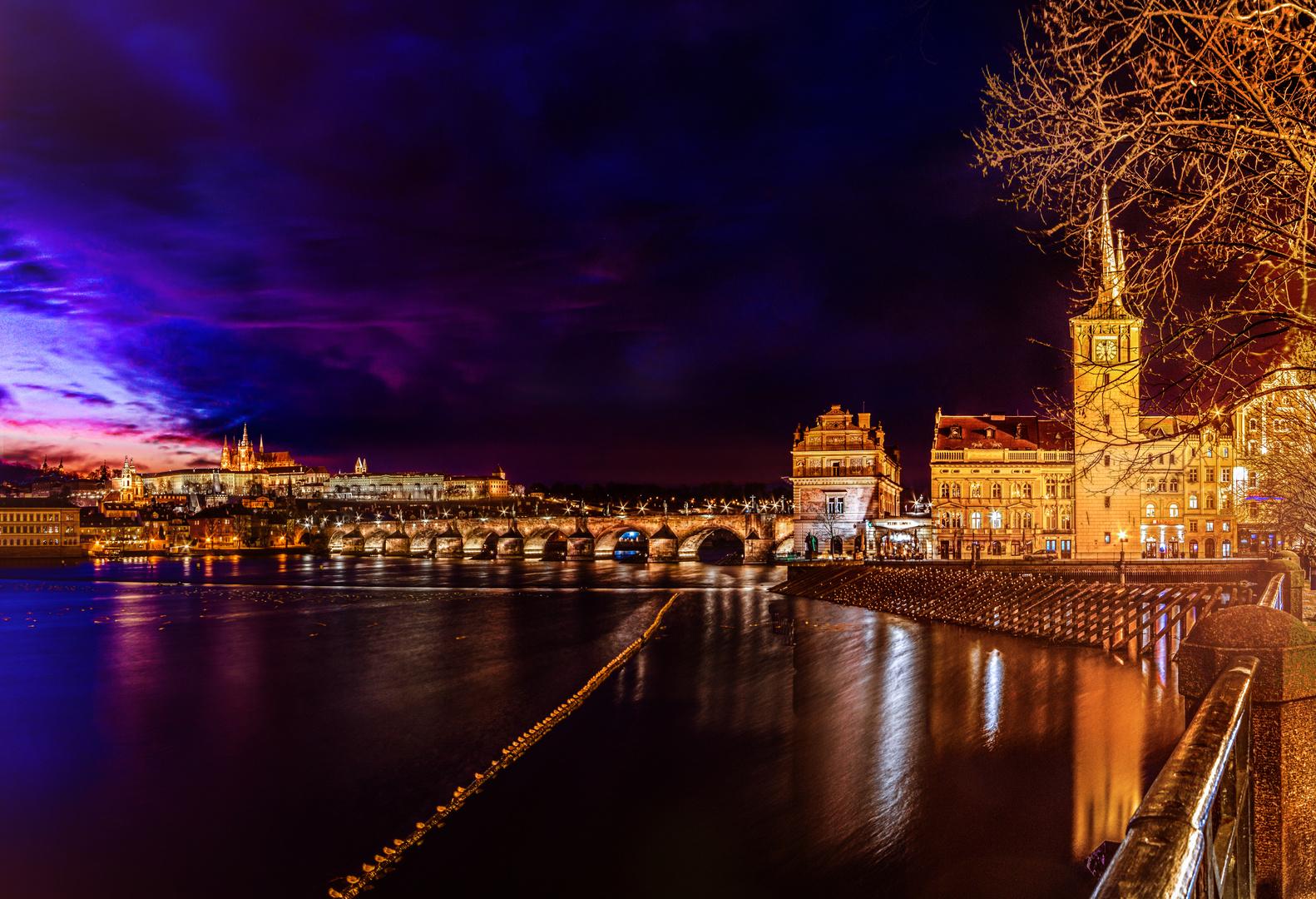 Prag - Moldau Richtung Burg