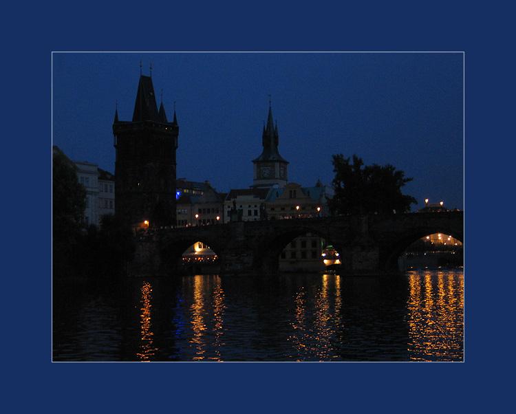 Prag, Moldau und Karlsbrücke am Abend