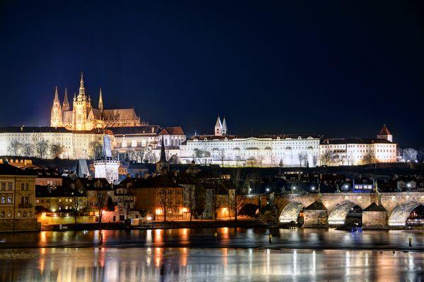 Prager Schloss bei Nacht