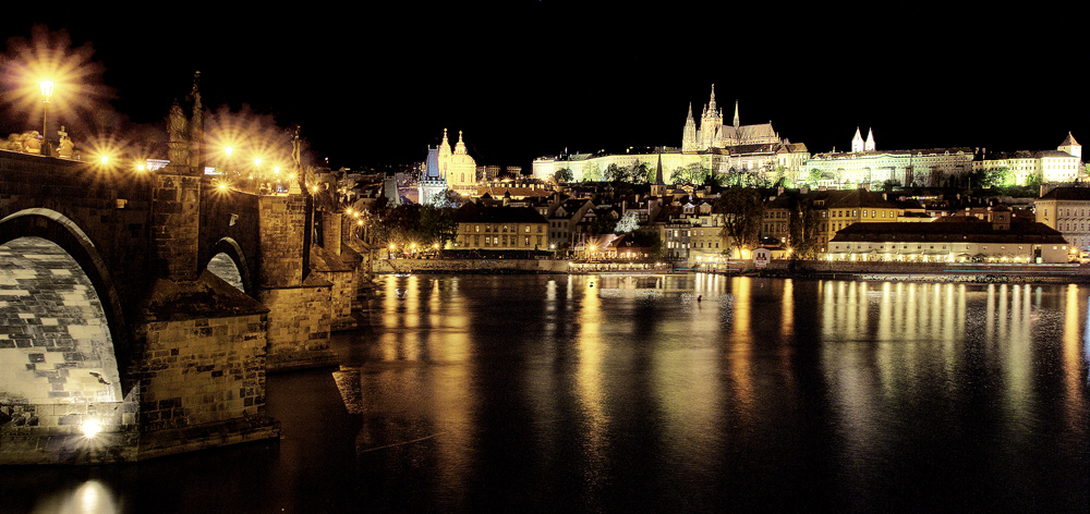 Prague castle - night view II.