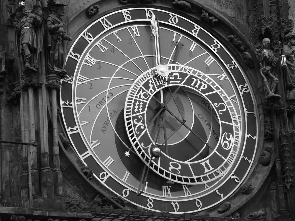 prague l 39 horloge astronomique place de la vieille ville photo et image europe czech. Black Bedroom Furniture Sets. Home Design Ideas