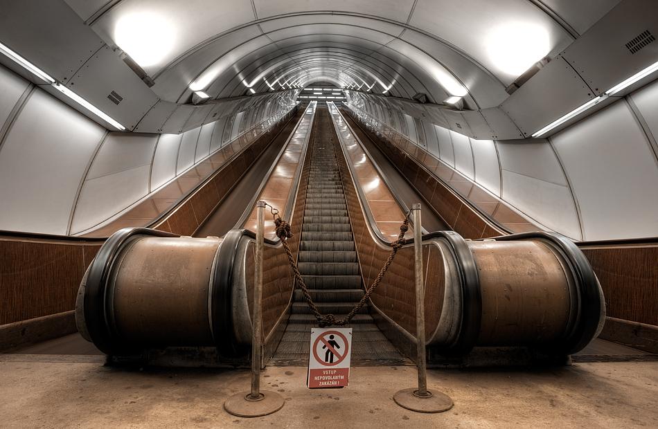 prague /// metro