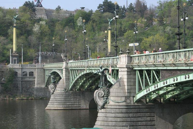 Praha, Cechuv most (Cech Bridge)