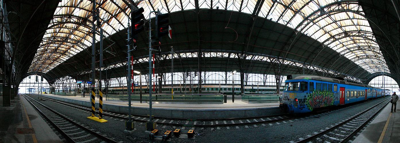 Praha main station
