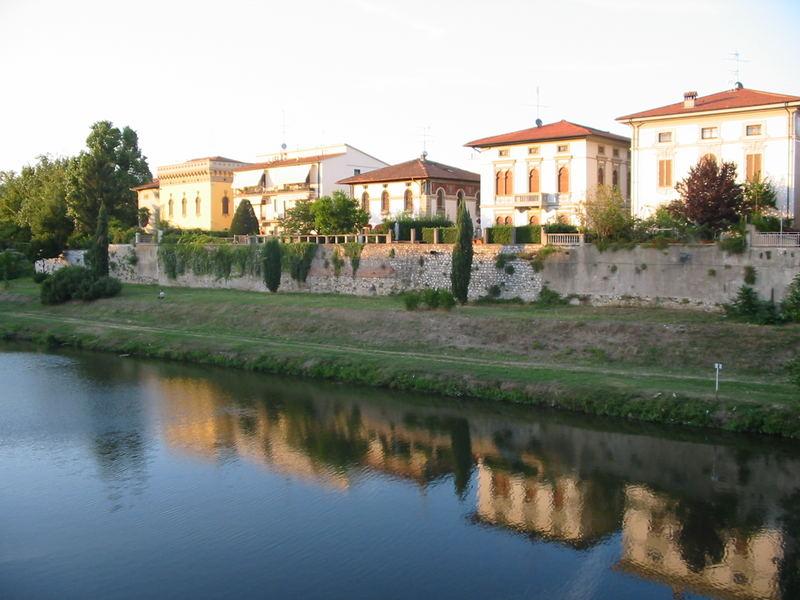 Prato am Rande der Toscana