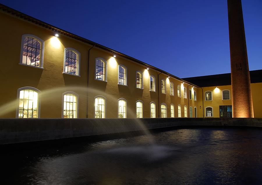 Prato by night