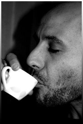 Premier café pour bien commencer la journée.