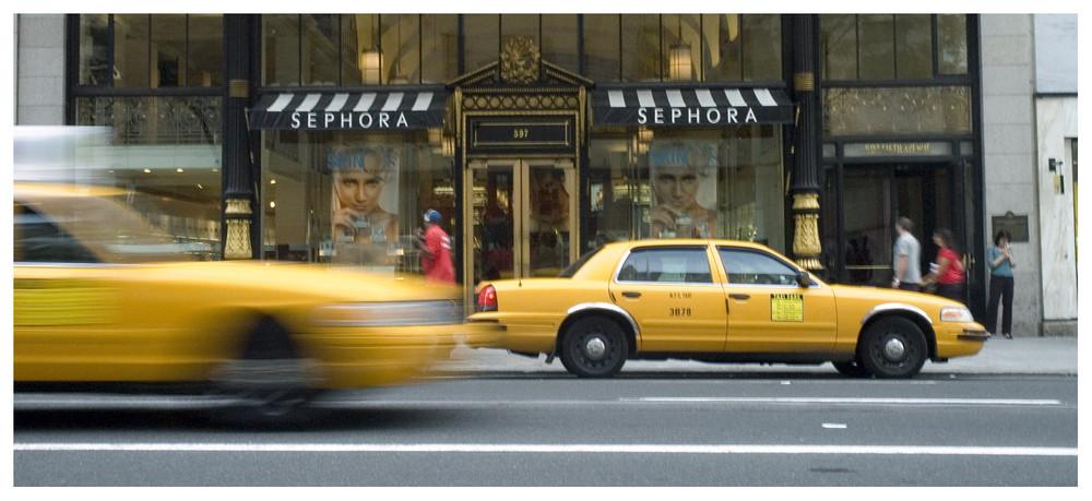 ...prendere un taxi al volo...