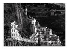 Prime luci del mattino su Amalfi