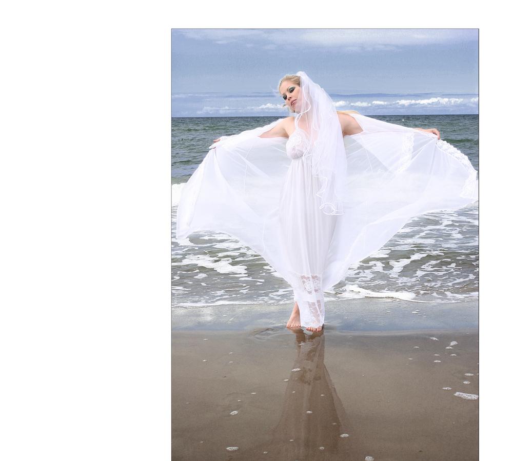 princess in white+++