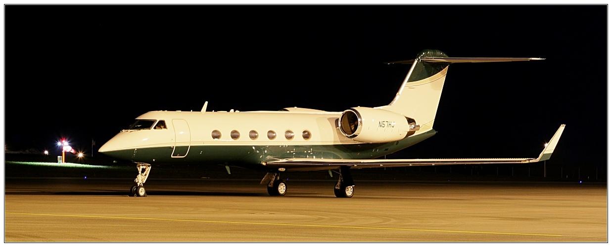 privatjet 6 foto bild luftfahrt passagiermaschinen verkehr fahrzeuge bilder auf. Black Bedroom Furniture Sets. Home Design Ideas