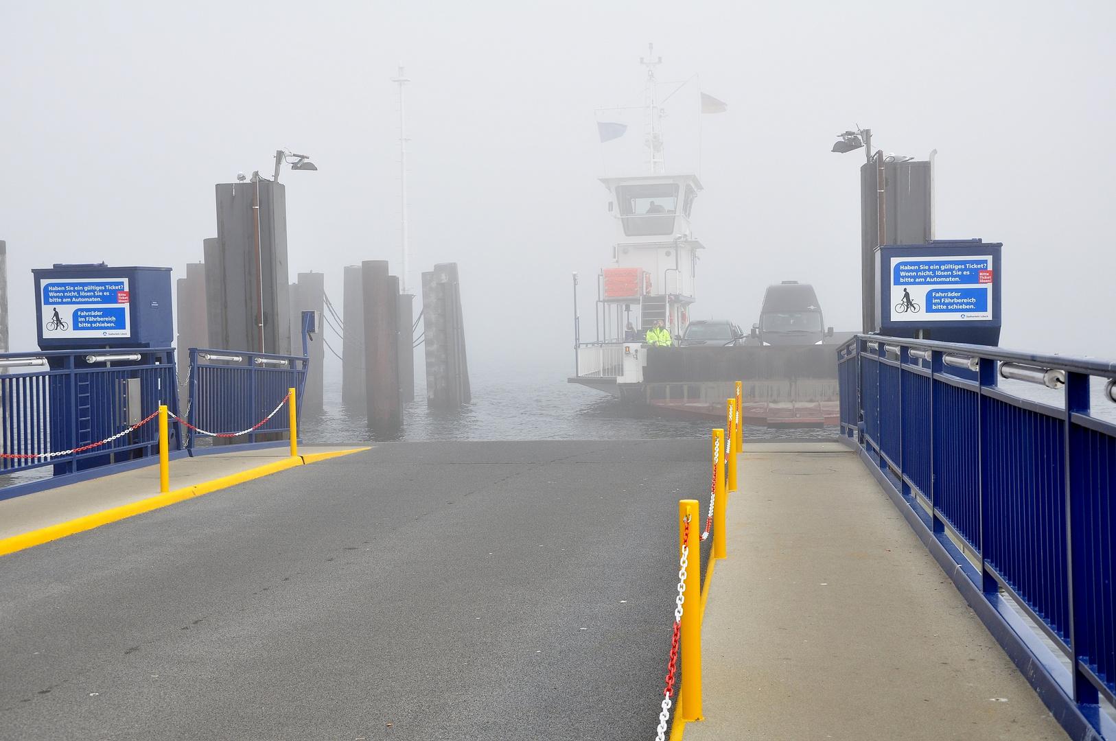 Priwallfähre im Nebel  3