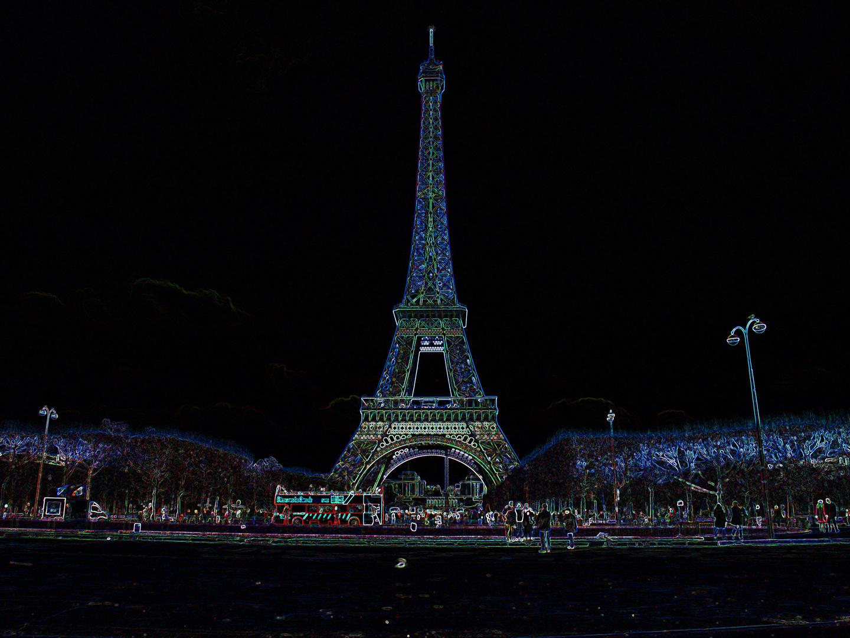 Prochain arrêt: Le Tour Eiffel.