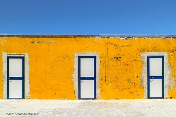 Progetto Full color Franco Fontana -- LE TRE PORTE