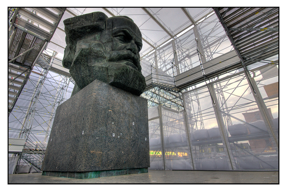 Projekt: Marx Monument II