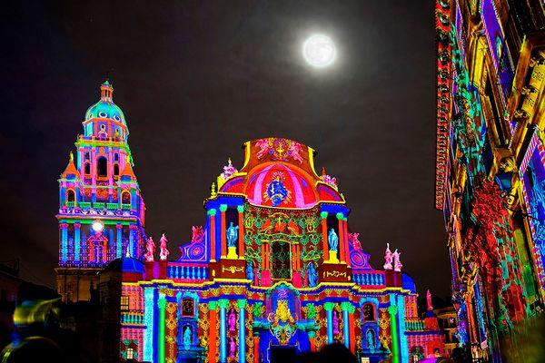 Proyección navideña sobre la Catedral de Murcia